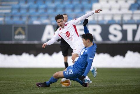 Filip Delaveris fikk sin Brann-debut mot Molde, og driblevingen scoret likegodt – på hodet!
