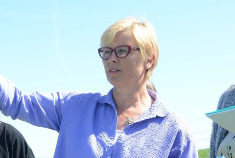 Ser fremover: Elin Schanche i Høyre lar seg ikke vippe av pinnen selv om tilsynelatende færre rennesøybuer har planer om å stemme Høyre ved kommunevalget 2019.