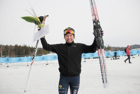 Helene Marie Fossesholm kunne løfte armene i været etter seier i 15-årsklassen i Ungdomsbirken 2016.