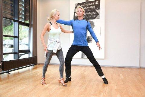 COCKY: Denne helga skal Eilev Bjerkerud og Nadya Khamitskaya danse cha cha cha.
