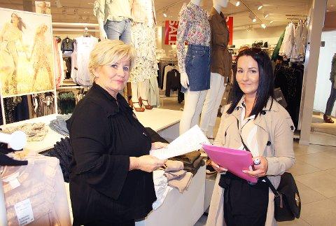 Fikk presentert seg: Sissel Larsen fra Hennes & Mauritz (til venstre) i samtale med jobbsøkeren, Agnieszka Sawczuk.