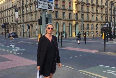 Terrorbombing: Cicilie Matte Lund fra Utdanningsforbundet i Øvre Eiker, kom til Manchester dagen etter at en bombe mandag tok livet av 22 personer under en popkonsert.