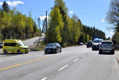Sprengingsulykke: Det var i dette krysset på rv. 35 ved Dramdal at ulykken skjedde.