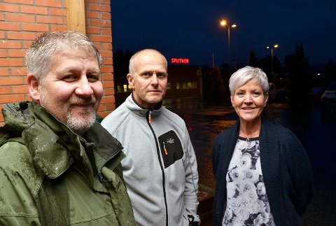 Bestemt allerede: Runar Voss, Per Eivind Løvdal og Hege  Haugestad, tror kommunen allerede har bestemt seg for å godkjenne bygging av gigantfabrikk i Åmot.