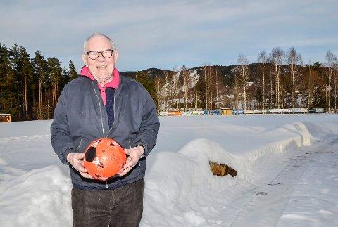 Her bør det skje: – Modum FK må skaffe seg sin egen identitet - gjerne her på Rolighetsmoen, sier fotball-veteran Odd Flattum.