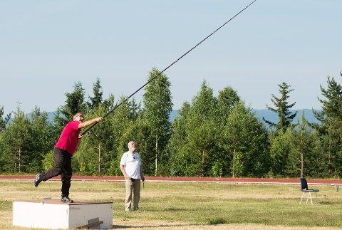 VERDENSMESTER: Sju ganger verdensmester Markus Kläusler på Castingstevne på Furumo.