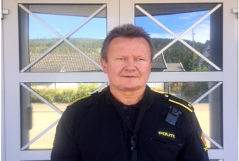 KRITISK: Geir Petter Nedregård, politiførstebetjent på Kongsberg Politistasjon, legger ikke skjul på at Politireformen ikke virker som den skal.