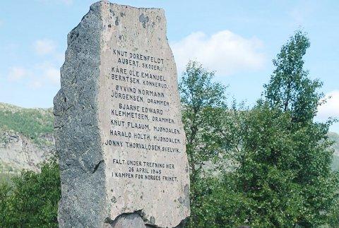 HAGLEBUSLAGET: Etter krigen ble det reist en bauta på Haglebu til minne om slaget og nordmennene som falt i kampen.