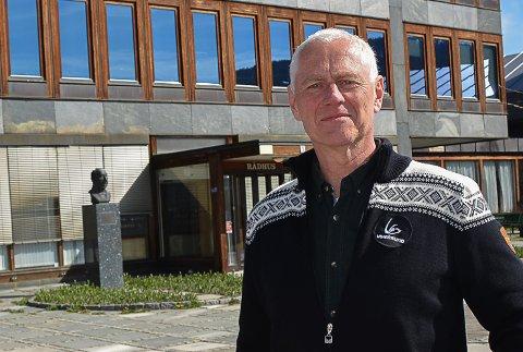 REAGERER: Ståle Versland (Ap) reagerer på hvordan FrP har snudd i vurderingene av behovet for en gjennomgang av prosessen som ledet til flengende kritikk mot driften av Vikersund skole.