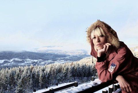 Hilma Nikolaisen gir lyd fra seg igjen - denne gang i form av julemusikk.