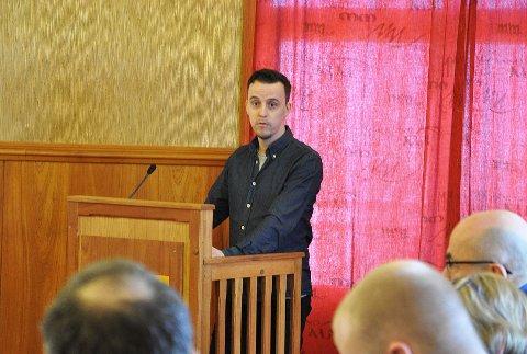 LUFTSLOTT: Kommunestyrerepresentant for Nordkapp Arbeiderparti, Andreas Børvik, vil heller bruke mer penger på barn og unge, enn et storbygg som han anser som et luftslott.