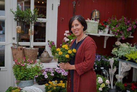 May Britt Bratseth på Farmen i Bremanger.