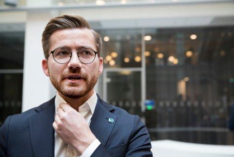 Klima- og miljøminister Sveinung Rotevatn (V) blei Venstres toppkandidat i Hordaland. Med knapp margin.