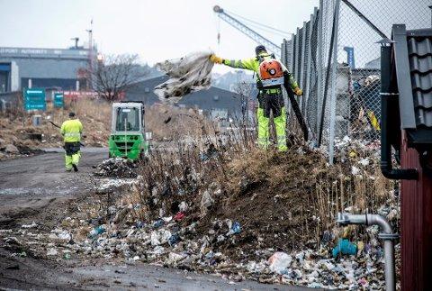 De siste ukene har det virkelig blitt ryddet rundt gjennvinningsbedriftene på Øra. Dette bildet er fra ryddestart mandag 9. april.