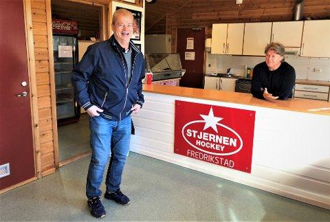 """GOD STEMNING: Bengt-Åke Gustafsson takket høflig nei til Ørjan Løvdals brødskiver med egg da FB var innom. - Brød er frokost, vi svensker spiser varm mat til lunsj! skolerte """"Bengan"""". Torsdag kommer Lillehammer til Stjernehallen."""
