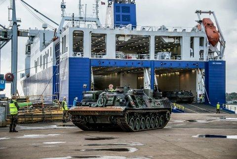 Forsvaret la igjen millionbeløp i Fredrikstad under NATO-øvelsen i fjor høst. Borg Havn tok i mot svært mye materiell og kjøretøy til