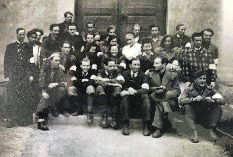 Lagene samlet seg: På frigjøringsdagen samlet alle sanitetslagene i Onsøy seg på Gressvik og dro samlet til Seiersten Misjonshus. Det var fremdeles tyskere i byen, og det var skuddvekslinger.
