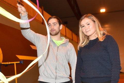 Narvik turnforening har startet egen gruppe for rytmisk gymnastikk (RG) ledet av Elly Amundsen. Her sammen med sportslig leder Johan Lilja i Narvik turnforening.