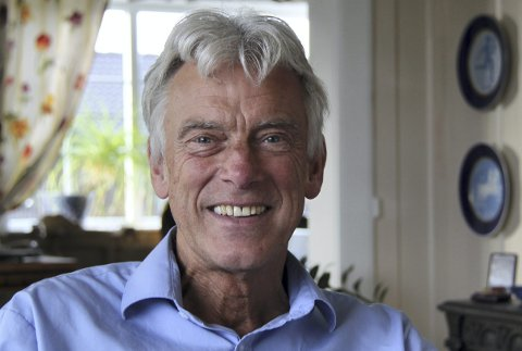Bjørge Stensbøl har det mer hektisk jobbmessig enn noen gang og er «uforskammet» aktiv, ungdommelig og sprek, bare litt hvitere i håret. Torsdag runder han 70 år.