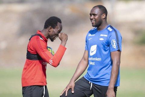 Ali Ahamada (28), som trente med Brann og Daouda Bamba (t.v.) i vinter, kan blir Branns nye førstekeeper.