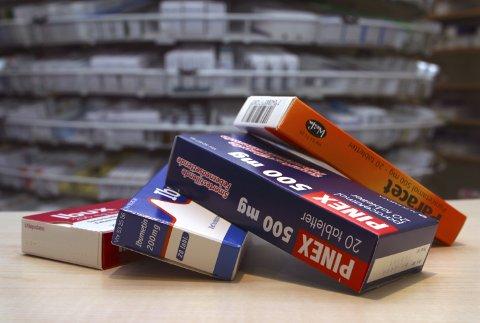 Populære piller: Smertestillende som Paracet og Ibux er mye brukt for ulike plager. Legemiddelverket advarer mot overforbruk.