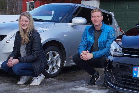 TVILLINGBILKJØP: Julie og Lars Sørbråten er født på samme dag i 1999. I 2017 kjøpte de hver sin bil - på samme dag og samme sted. Det er sånt som tvillinger gjør ...