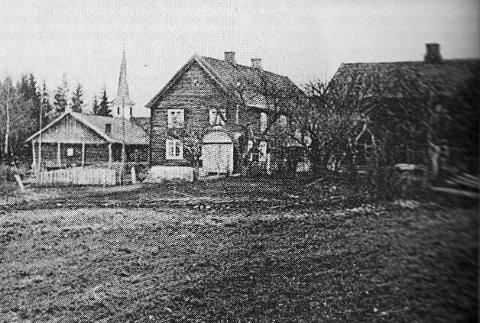 SKYSSTASJON: Et gammelt bilde av en skysstasjon i Vesntre Gran.