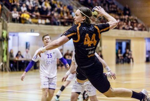 TIDLIGERE HTH-PROFIL: Thomas Solstad, nå linjespiller og lagkaptein Elverum, er tatt ut i Norges VM-tropp i håndball.