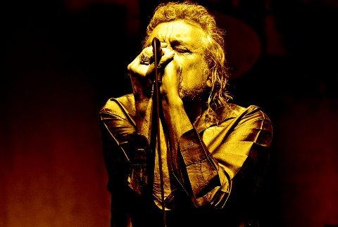 TIL FESTNINGEN: Musikklegenden Robert Plant & The Sensational Spaceshifters  står på scenen på Fredriksten festning tirsdag 2. juli. I går spilte de på Bergenfest - det resulterte i terningkast 6 i VG og terningkast 5 i Bergens Tidende.