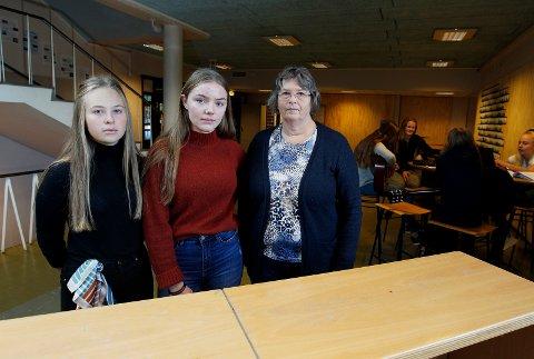 Rektor Mary Anne Vestre, elevrådsleder Tiril Hugvik og nestleder i elevrådet Lilly Ane Birkeland Jacobsen har alle et klart budskap til politikerne. Begynn med nye Haraldsvang skole nå.