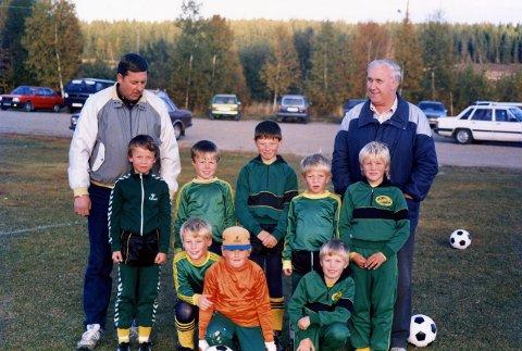 SMÅ OG TALENTFULLE: Ikke minst treneren og oppmannen...