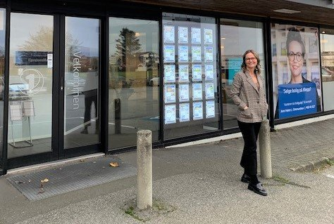 RASKE SALG: Eiendomsmegler Ann Helen Ommundsen opplever raske salg av brukte eneboliger i Klepp om dagen, og nå er det rett og slett tomt for slike boligtyper i porteføljen hos Eiendomsmegler 1 Jæren og Dalane.