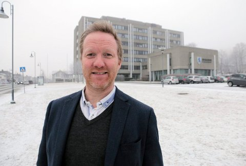 TAR IMOT SØKNADER: Fylkeskultursjef Jon Endre Røed Olsen.