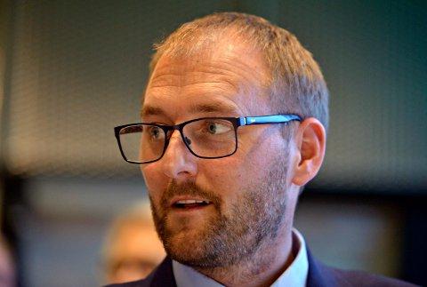 STEMMEN FRA HVITTINGFOSS: Aleksander Bjerke er fornøyd med biblioteket i Hvittingfoss.