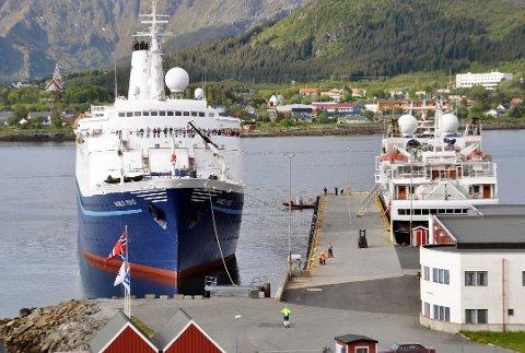 Cruise: Helitrans skal etter etterspørsel fra rederiene fly cruiseturister rundt omkring i Lofoten. Planen er at de fraktes fra Leknes havn til Leknes lufthavn, hvor helikopterturene starter.