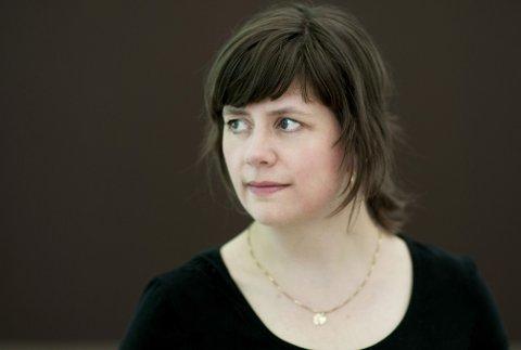 HJEM: Mirjam Kristensen er ute med ny roman. Nå kommer hun hjem til Lyngdal for å bokbades.