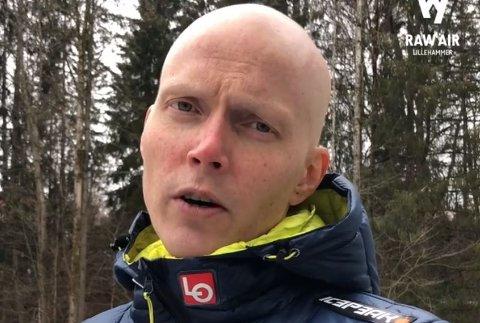 Hopplegenden Bjørn Einar Romøren ønsker at barnekreftavdelingen ved sykehuset i Lillehammer skal få mer penger, for å gjøre hverdagen for kreftsyke barn så god som mulig.
