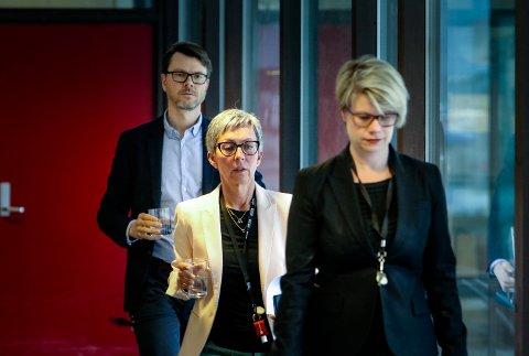 KRISELEDELSE: Moss kommune setter fredag ettermiddag kriseledelse etter at det er oppdaget mutert virus i Nordre Follo. Fra venstre Kommuneoverlege Kristian Krogshus,  ordfører Hanne Tollerud og og kommunikasjonsleder Therese Evensen.