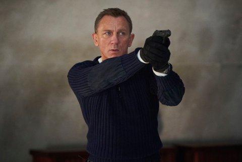 Den 25. Bond-filmen har inspirert turneen. Her er James Bond (Daniel Craig) i scener fra «No time to die».