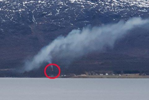 MYE RØYK: Det kom tidvis mye røyk fra Kobbevågen, såpass mye at folk kontaktet Nordlys og 110-sentralen.
