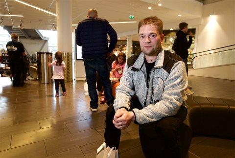 AP-TRØBBEL: 42 år gamle Thomas Hansen tilhører aldersgruppen som senker AP på den siste meningsmålingen. - Jeg skjønner godt at barnefamilier snur ryggen til AP. Foto: Ola Solvang