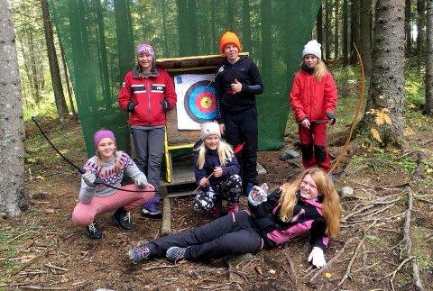 VILLMARK: Bueskyting er en populær aktivitet hos Over Skog og Heiberg