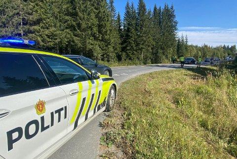 ULYKKE: På fylkesvei 246 ved avkjøringen til Franzefoss torsdag ettermiddag.