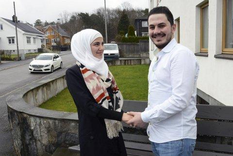 Sammen igjen: Sarah Altinawi (22) og Mohammad Kharita (26) er i Larvik og i gang med å lære seg norsk på Norskskolen i Fresjeveien på Nanset. Foto: Bjørn-Tore Sandbrekkene
