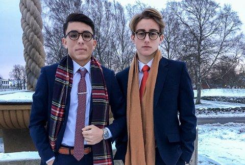 GLAD FOR SNØEN: Der andre blir frustrert over de store snømengdene, ser brødrene Ali Haidari (14) og Håkon Rørvik Salomonsen (14) muligheter.