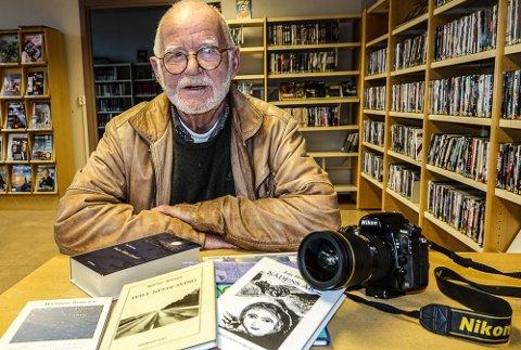 I GANG: Svein Sjølli er prosjektleder for fotoklubbens bokprosjekt med tekst og bilder.