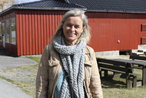 Grete Rokstad er prosjektleder for det nye prosjektet 60+ Sandøya. Et nytt møtelokale på øya er nå sjøbua til Leif Eriksens gamle, nedlagte butikk. Lokalitetene er pusset opp. 60+ Sandøya arrangerer ulike aktiviteter i et uformelt, sosialt fellesskap.