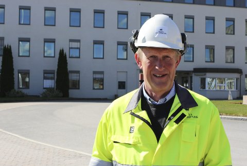 Leder ved Herøya Industripark (HIP), Thor Oscar Bolstad, forteller at Yara-brannen har skapt ringvirkninger. Nå skal de se nærmere på løsninger for hvordan de kan informere omgivelsene mer effektivt når uhell har skjedd. – Ved slike hendelser informerer vi en rekke instanser, som kommune, DSB, barnehager, skole og media. Nå vil vi finne flere kanaler for å informere publikum.