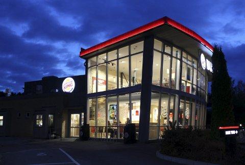 SMITTE: En ansatt ved Burger King på Moheim har testet positivt for korona.