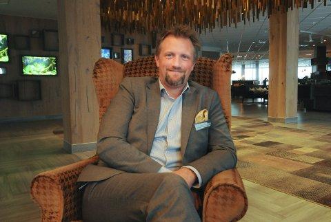Hotelldirektør Tor Eivind Line og hans medarbeidere har klart å snu den negative trenden og sørget for millionoverskudd på Quality Hotel Skjærgården i 2017.